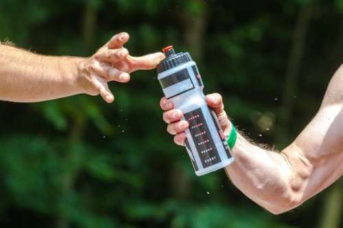 Beim Fitnesstraining ist gefiltertes Wasser ideal